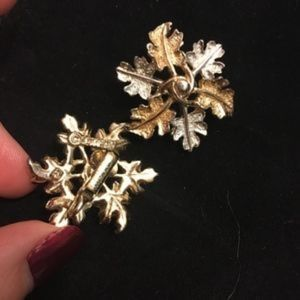Sarah Coventry Jewelry - Sarah Coventry oak leaf garland earrings
